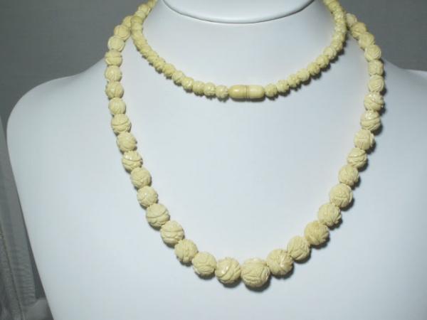 30 Vintage Carved Bone Bead Graduated Necklace 6 14mm